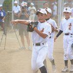 小学生の甲子園、キャッチボールで基本を学ぶ